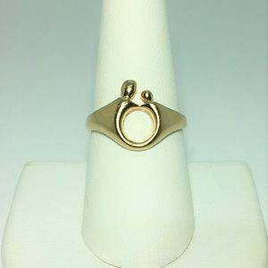 14k Yellow Gold Mother and Child Ring Size 8.5